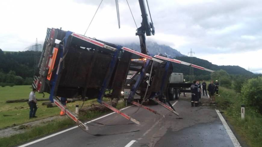 LKW Unfall auf der L712