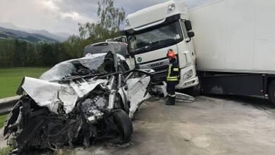 Schwerer Verkehrsunfall auf der B320