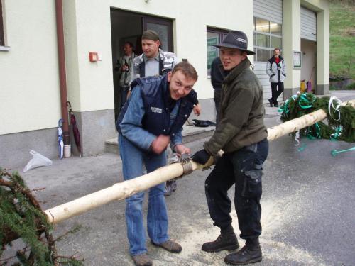 Maibaumaufstellen-2006-2.jpg