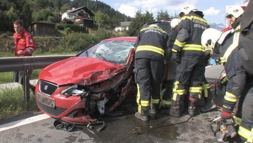 Verkehrsunfall-Gröbming-2014_1.jpg