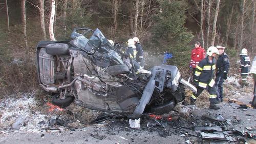 Verkehrsunfall-Niederöblarn-2011_1.jpg