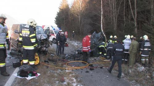 Verkehrsunfall-Niederöblarn-2011_2.jpg