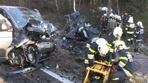 Verkehrsunfall-Niederöblarn-2011_6.jpg
